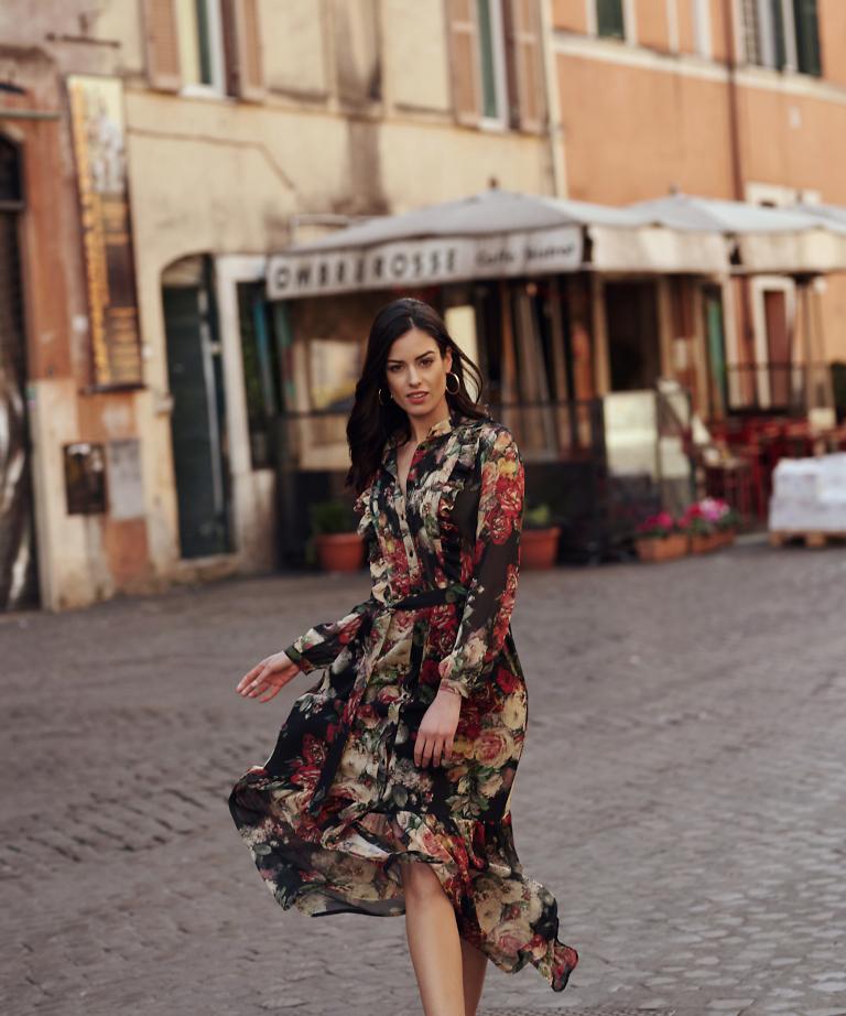 sukienka maxi w kwiaty