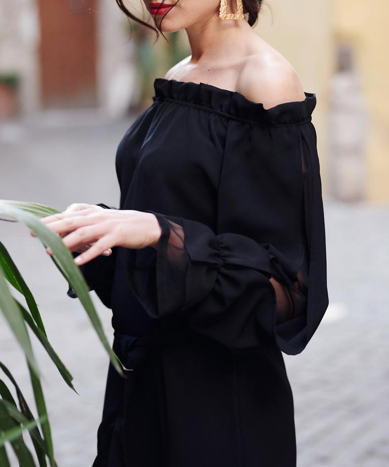 sukienka z ekoltem carmen